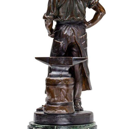 rudolf-kaesbach-man-with-anvil