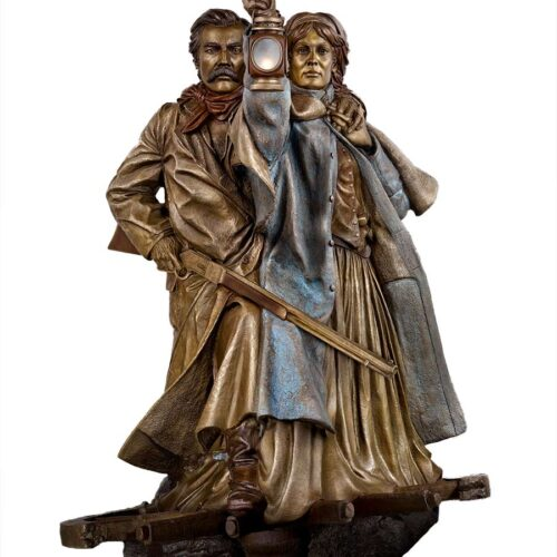 The Lighted Lantern a life-size bronze sculpture of Pioneers by James Muir