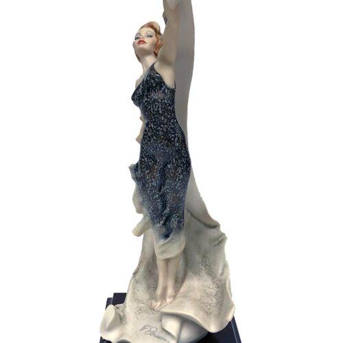 Ascent porcelian sculpture by Giuseppe Armani