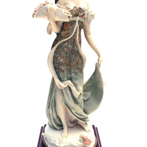 Giuseppe Armani porcelain sculpture Lady with Bouquet